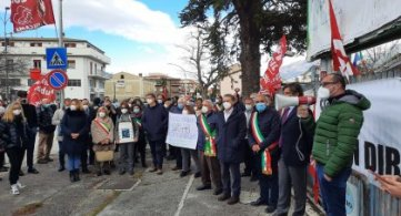 Sulmona 8 febbraio 2021 Manifestiamo ...... insieme per la Salute
